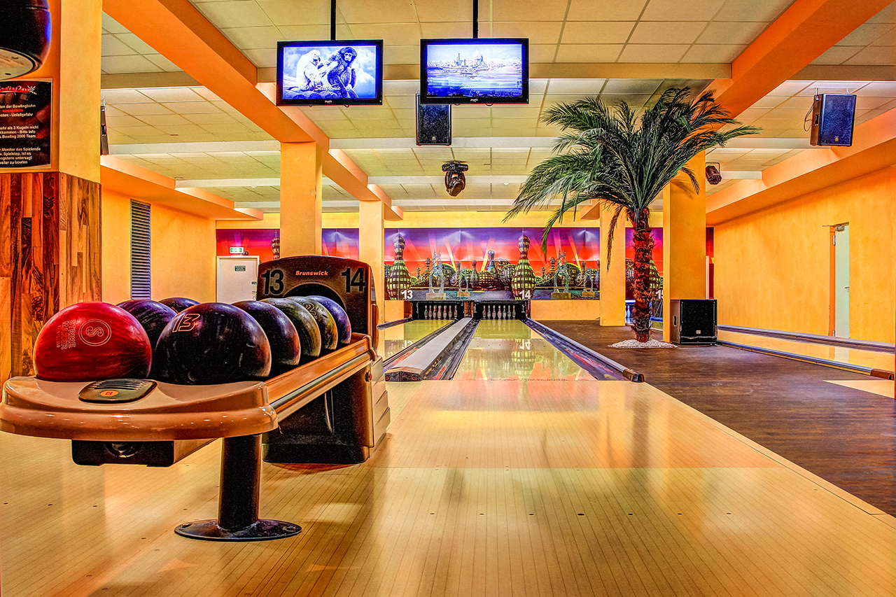 Bowling 2000 – neues Corporate Design